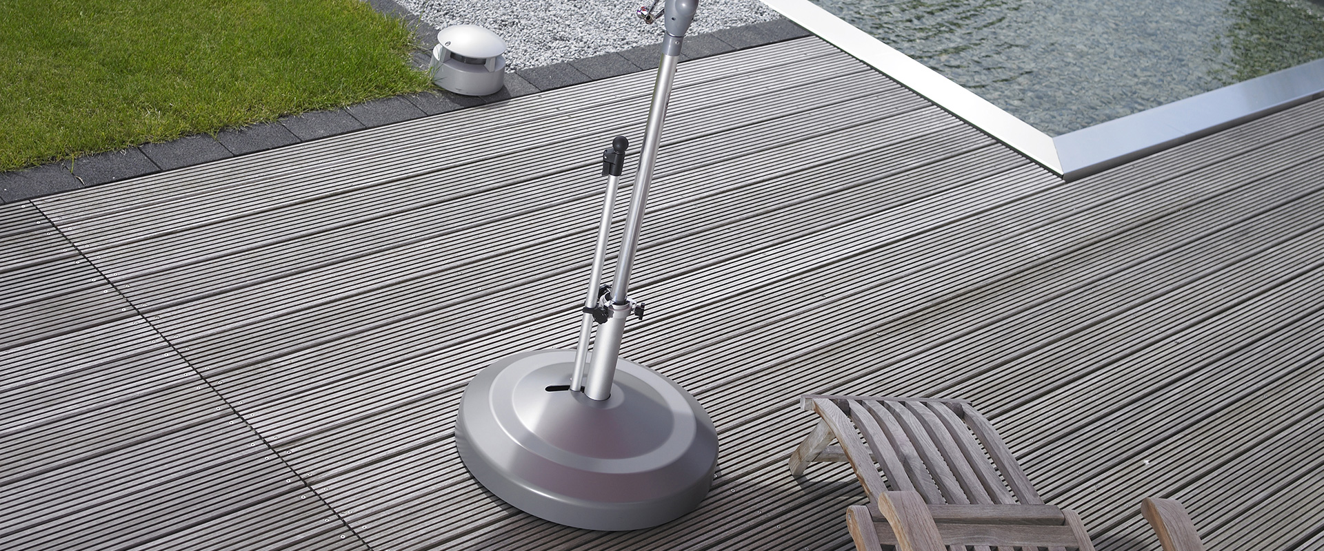 Oasis Rolling Bases: Rolling Umbrella Bases, Mobile Umbrella Stands and Umbrella Stands in Clermont